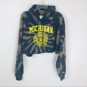 Gildan Tops - University of Michigan Tie Dye Crop Sweatshirt